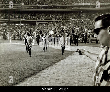 I Beatles presso lo Shea Stadium Foto Stock