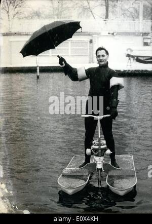 Febbraio 02, 1965 - Oltre la Manica .... Franz corde sta per passare alla fine di aprile. L'uomo da Hamburg è un Foto Stock