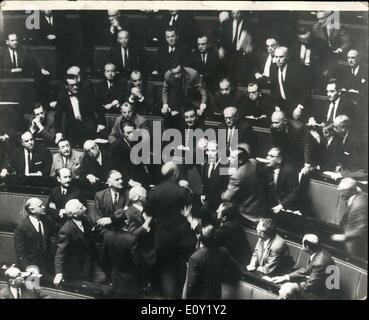 Maggio 16, 1968 - Dibattito sul francese degli studenti in crisi l'Assemblea nazionale. Il Primo Ministro francese, Foto Stock