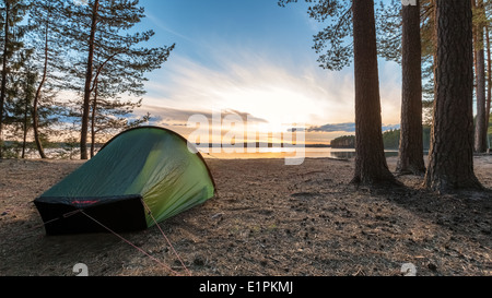 Tramonto a (lago) Haukkajärvi, Helvetinjärvi national park, Ruovesi, Finlandia, UE Foto Stock