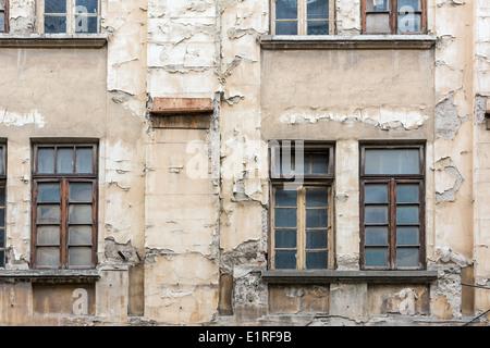 Edificio abbandonato facciata chiudere i Dettagli Foto Stock