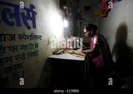 India, nello Stato di Uttar Pradesh, Varanasi, sarta Foto Stock