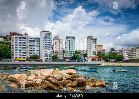 Stanely, Hong Kong, Cina skyline alla Main Street waterfront. Foto Stock