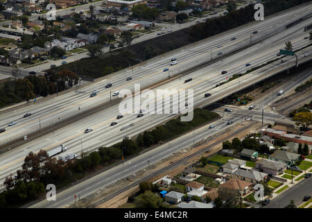 Interstate 105 o I-105, aka Glenn Anderson autostrada e superstrada del secolo, a ovest di Atene, Los Angeles, California, Foto Stock