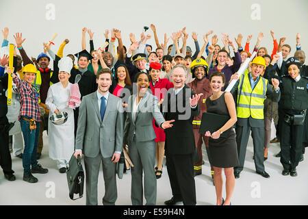 Ritratto di forza lavoro entusiasta Foto Stock