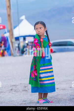 Native American Girl prende parte alla XXV annuale tribù Paiute Pow Wow Foto Stock