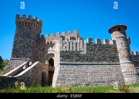 Castello di Amorosa azienda vinicola vicino a Calistoga, Napa Valley, California