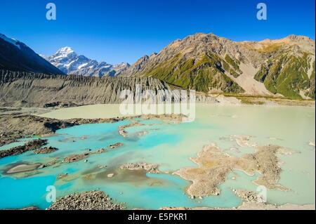 Il turchese lago glaciale di fronte a Mount Cook, Sito Patrimonio Mondiale dell'UNESCO, South Island, in Nuova Zelanda, Foto Stock