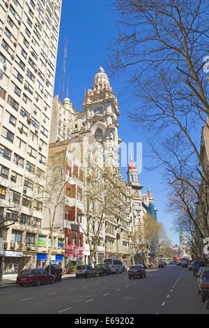 Può Avenue a Settembre 13, 2012 a Buenos Aires, Argentina. Strada collega la casa rosa con il Congresso, Foto Stock