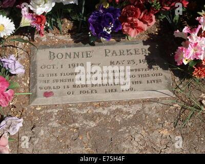 Lapide di Bonnie Parker di Bonnie e Clyde fama, come si vede in Crown Hill Cimitero, Dallas, Texas US