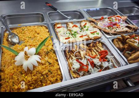 Miami Florida Tamiami per voli Sentiero El Palacio de los Jugos ristorante buffet cubano di esposizione di alimenti Foto Stock
