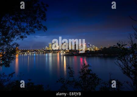 Australia, Nuovo Galles del Sud, Sydney, Cityscape al crepuscolo Foto Stock