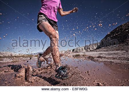 Donna trail running, Colorado, America, STATI UNITI D'AMERICA Foto Stock