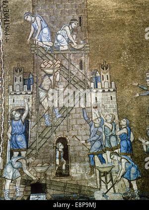 Italiy. Venezia. La Basilica di San Marco. Archivio del nord. La costruzione della torre di Babele. Mosaico del Foto Stock