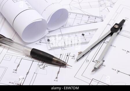 Schemi Elettrici Casa : Laminati schemi elettrici e accessori per disegno giacente sul