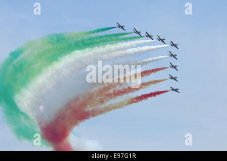 Frecce Tricolori Italian Air Force aerobatic team display al Royal International Air Tattoo 2014 Foto Stock