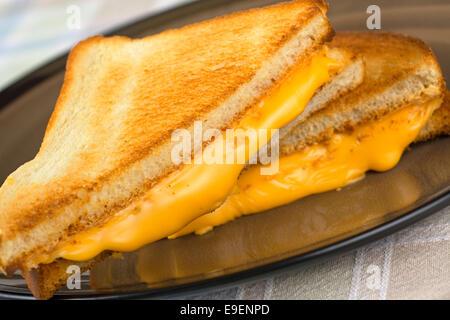 Formaggio alla griglia sandwich, hot di formaggio fuso Foto Stock