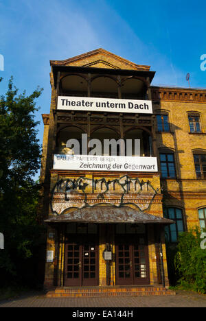 Teatro unterm Dach Theatre, Kulturhaus, ex officine del gas, Ernst-Thälmann-Park, quartiere Prenzlauer Berg di Berlino, Foto Stock
