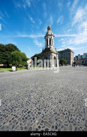 L'Irlanda, nella contea di Dublino, Dublino, southside, Trinity College, borsisti Square, la statua di George il Foto Stock