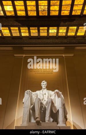 Il Lincoln Memorial è un americano di monumento nazionale costruito per onorare il sedicesimo presidente degli Stati Foto Stock