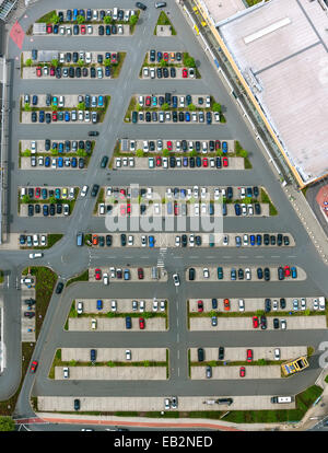 Vista aerea, parcheggio in Sterkrade-Mitte, Sterkrade, Nord Reno-Westfalia, Germania Foto Stock