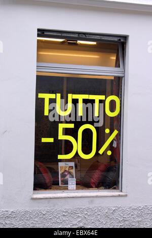 Meno 50% in un negozio in Italia, Italia Foto Stock