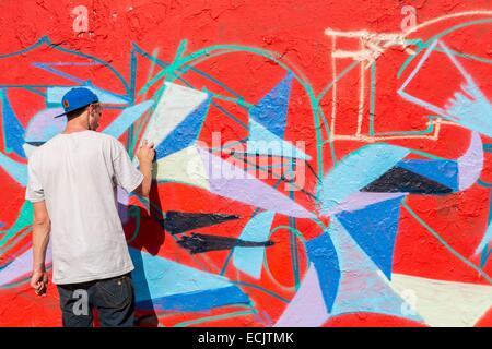 Germania Berlino, Berlino Est, Prenzlauner Berg district, Mauerpark, un residuo della parete utilizzato per graffitis Foto Stock