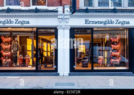 ... Ermenegildo Zegna negozio di abbigliamento in New Bond Street a Londra f37c134f8f7