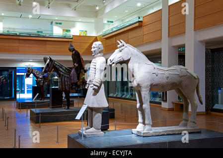 Il display interno del Royal Armouries Museum, Leeds, West Yorkshire, Inghilterra, Regno Unito Foto Stock