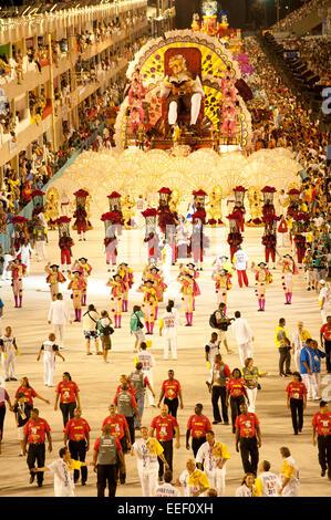 Rio de Janeiro, Brasile, 14 Febbraio 2010 - Scuola di Samba presentazione al sambodromo nel Carnevale 2010.