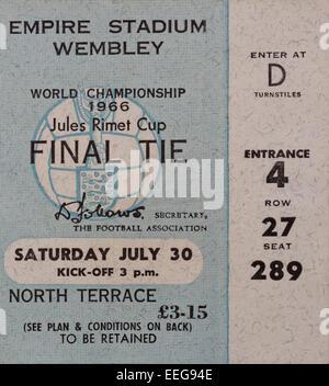 Finale di coppa del mondo 1966, Inghilterra e Germania Ovest ticket per il Jules Coppa Rimet. Foto Stock