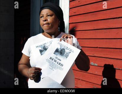New Haven CT USA-- Alice Stewart e la sua famiglia sono offrendo un $5.000 ricompensa per informazioni che conducano Foto Stock