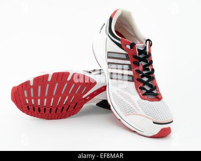 Adidas AdiZero CS una corsa leggera scarpa progettata per
