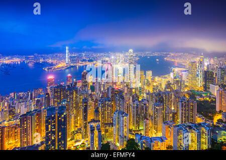 Hong Kong Cina skyline su Victoria Harbour. Foto Stock