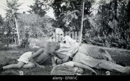 Il 12 Dic. 2014 - Canada - circa 1950: Riproduzione di un antico mostra fotografica (credito Immagine: © Igor Golovniov/ZUMA filo/ZUMAPRESS.com) Foto Stock