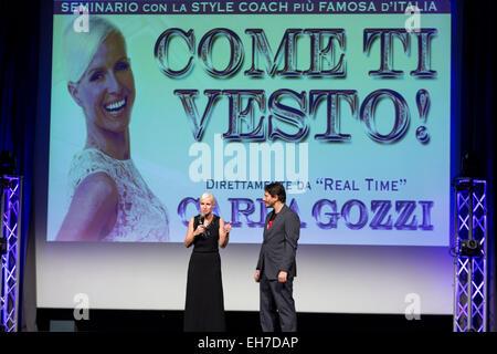 Carla gozzi stile italiano pullman scrittore blogger e presentatore televisivo di diversi - Diversi stili di moda ...