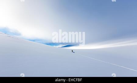 Sci escursionismo a Kebnekaise area di montagna, Kiruna, Svezia, Europa UE Foto Stock
