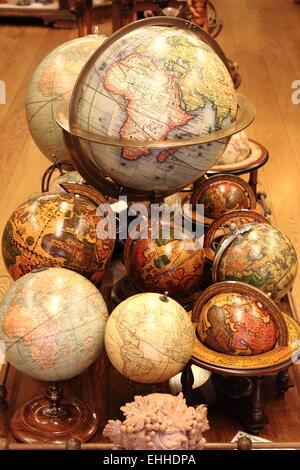 Globi del mondo Foto Stock