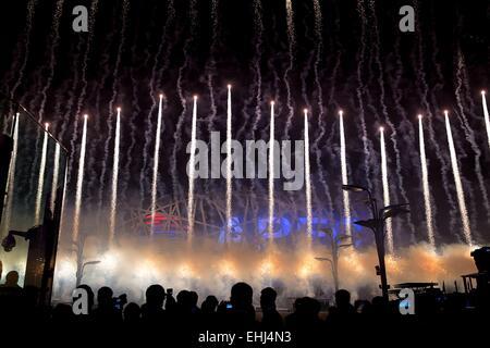 Fuochi d'artificio sul display seguendo la cooperazione economica Asia-Pacifico accogliente banchetto presso il Foto Stock