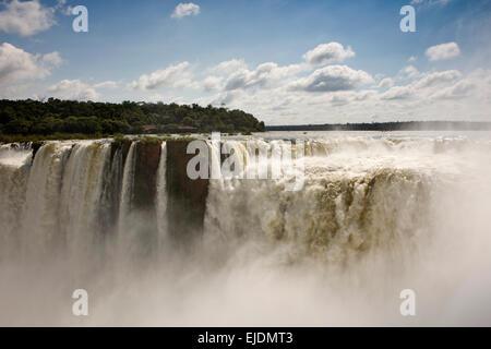 Argentina, Iguazu Falls, Garganta el Diablo cascata Foto Stock