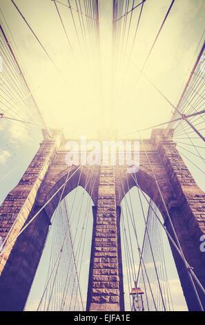 Vintage immagine filtrata del Ponte di Brooklyn a New York City. Foto Stock