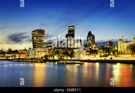 City of London skyline al tramonto Foto Stock