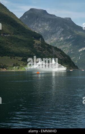 La nave di crociera scoperta in Gerainger Fjord Norway Foto Stock