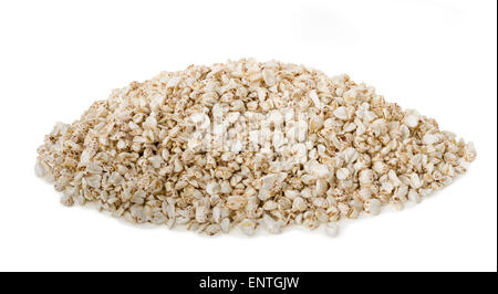 Fiocchi di grano saraceno isolato su uno sfondo bianco Foto Stock
