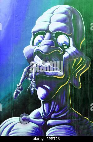NOTTINGHAM, Regno Unito - 1 Aprile 2015: dettaglio della street art abstract graffiti raffiguranti un mostro in Foto Stock
