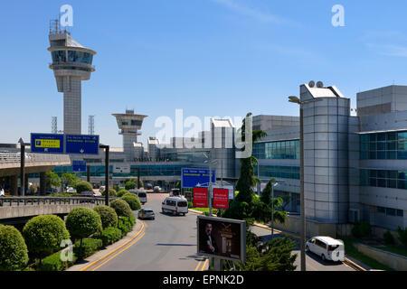 Terminal Internazionale dell'aeroporto Istanbul Ataturk, Turchia. Foto Stock