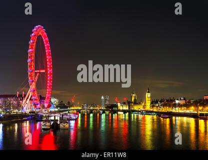Londra - Aprile 5: panoramica di Londra con la Coca Cola Occhio di Londra il 5 aprile 2015 a Londra, Regno Unito. Foto Stock