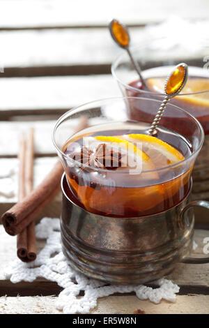 Vin brulè, calde tradizionali drink di Natale Foto Stock