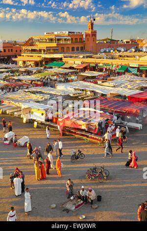 Djemaa el Fna a Marrakech, Marocco, Africa Foto Stock