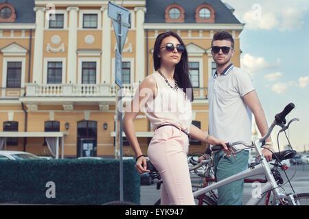 Ritratto di giovane biker Foto Stock